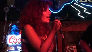 "GYPSY QUEEN REUNION 2010 ""BARACUDA"" AT HOOLIES (cover)"