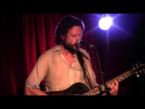 father-john-misty-nothing-good-ever-happens-at-the-old-thirsty-crow-maxwells-on-05-17-vicmor