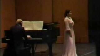 "Elly Ameling live sings Debussy's ""Mandoline"""