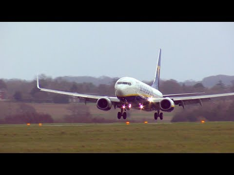 Spring Plane Spotting At London Luton Airport