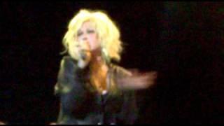 Cyndi Lauper Canta The Goonies em Recife 19/02/2011