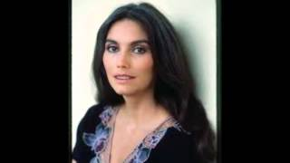 Emmylou Harris -  (You Never Can Tell) C'est La Vie (1976).