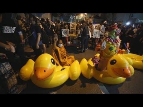 Multitudinaria protesta en Tailandia mientras el Parlamento rechaza reformas
