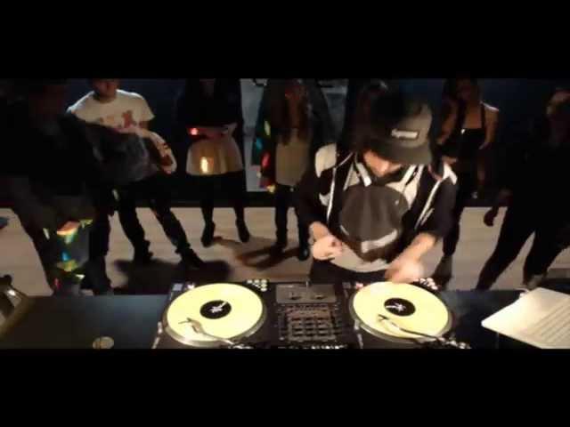 Video en directo de DJ Pimp para Monika Osmo Live.