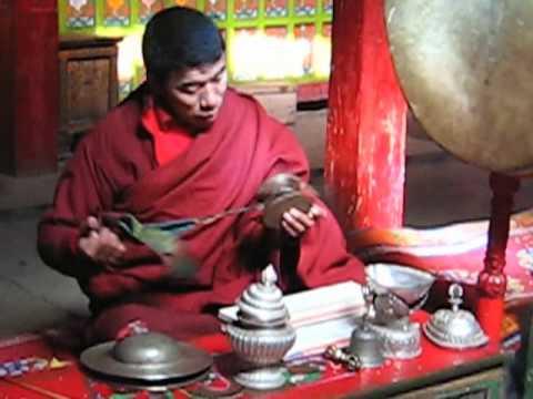 истинный буддизм в Мустанге (Непал) true buddish pray in Mustang Nepal
