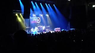 Twenty One Pilots - Migraine (live)