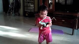 LUCU ! BAYI LARI | Run Baby Run !! | Baby Run Inside the House | Baby Reaction