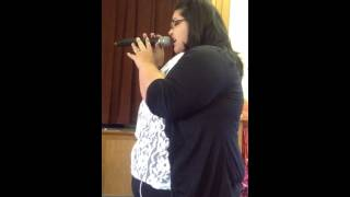 Shani singing Precioso Jesus (cover) Acapella at The Potter