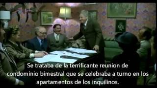 Fantozzi reunion de condominio español