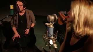 Maxi Espindola - Corazón Hambriento ft. Carla Dorto