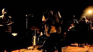 """África Negra em Lisboa, interpretando """"Quiê Numigo"""" com casa repleta. .."""