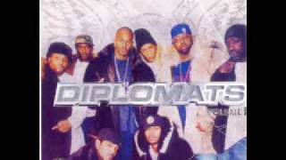 **Diplomats - Bitches Aint Shit(Remix)**