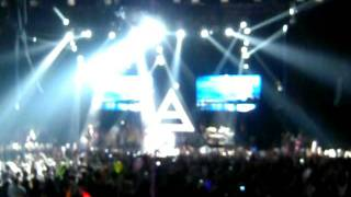 30 Seconds To Mars, the end of the song Kings and Queens @Amnéville, France