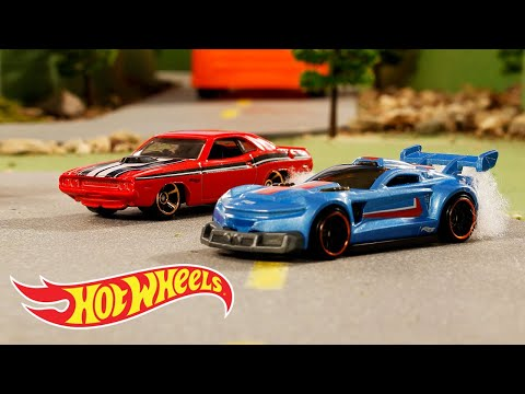 HW Muscle Mania™ in Earth Movers | Hot Wheels
