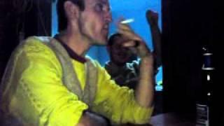 CIOCAN DIN LUPSA - ii explodeaza tigarea in gura cu praf de pusca