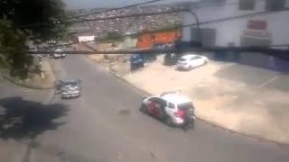 Troca de tiro bandidos e policiais militares em cotia são Paulo
