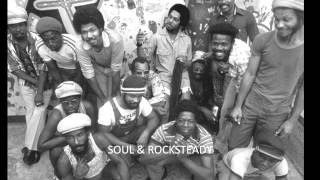 LEE PERRY & THE UPSETTERS - Django Shoots first