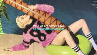 Miley Cyrus - Hands Of Love (Lyric Video / Español - English)