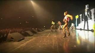 """Snoop Dogg """"Drop It Like It's Hot"""" Live @ le Zénith, Paris, France, 07-04-2011 Pt.7"""