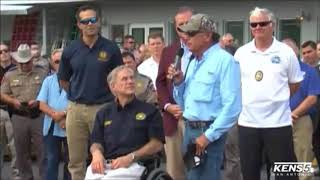 Raw: George Strait visits Harvey victims in Rockport, TX