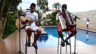 Matheus e Fernando cantando Flor e beija flor de Henrique e Juliano