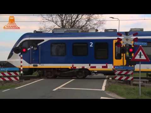 DUTCH RAILROAD CROSSING - Punthorst - Dekkersweg photo