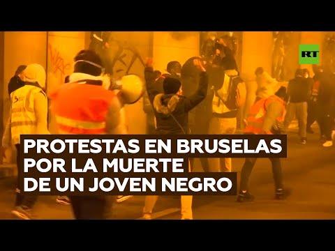 Manifestantes chocan en Bruselas con la Policía tras la muerte de un joven de raza negra