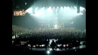 Beyoncé - Get Me Bodied live TD Garden Boston 7-23-13 (Mrs Carter Show Tour)