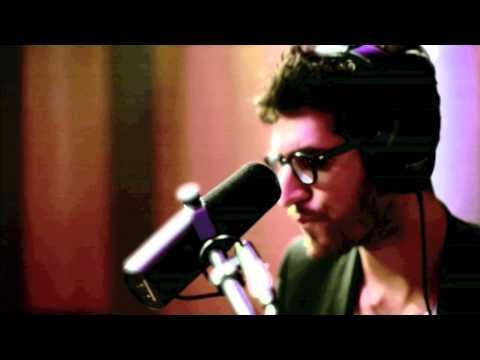 chromeo-dont-walk-away-music-video-4evergfunk