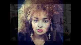 Rudimental ft  Ella Eyre LIVE  Feel The Love