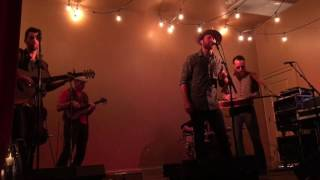 """Tailgate Watch: Drake White Performs a Soulful """"Making Me Look Good Again"""""""