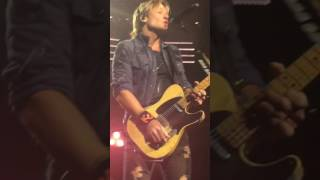 Keith Urban - Long Hot Summer - Mohegan Sun - 11.18.16