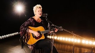 "Betty Who Live: ""Giving Me Away"" Performance"