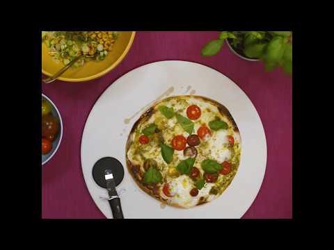 Soffmys med SF Anytime och Coop - Lätt och lyxig tortillapizza med somrig sallad