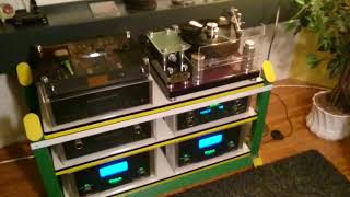Small Audio Manufacture Reference Turntable