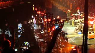 Pearl Jam - Elderly Woman Behind the Counter in a Small Town (live @ AAC Dallas, Tx 11/15/2013)