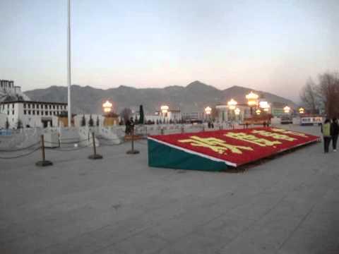 02 Prof. Juan Lázara comenta el  Potala de Lhasa.MPG