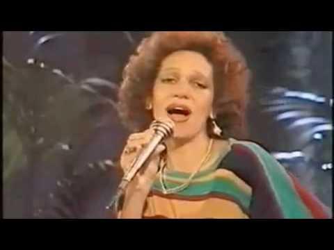 june-lodge-someone-loves-you-honey-livemp4-reggae-inc