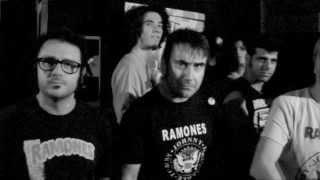TRANCE - No Tienes Derecho A Llevar Una Camiseta De Ramones. Bar T.N.T.