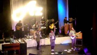 Os Azeitonas @ Quem és tu Miuda  - Teatro Sá da Bandeira Porto 15-12-2010