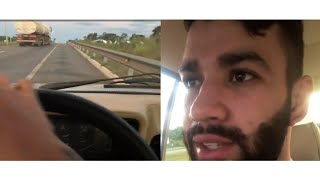 """Carro quebra e Gusttavo Lima fica parado na rodovia """"Vou meter fogo nesse carro """""""
