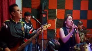 Los Headphones Rock band No huyas de mi