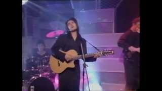 Tanita  Tikaram - Twist in my sobriety on Top of the pops (HQ)