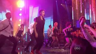 """Justin Bieber """"Beauty And A Beat"""" Live From Hollywood - New Year's 2013(HD)"""