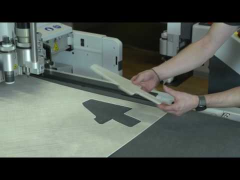 Cutting thermoplastic sheet material with Zünd