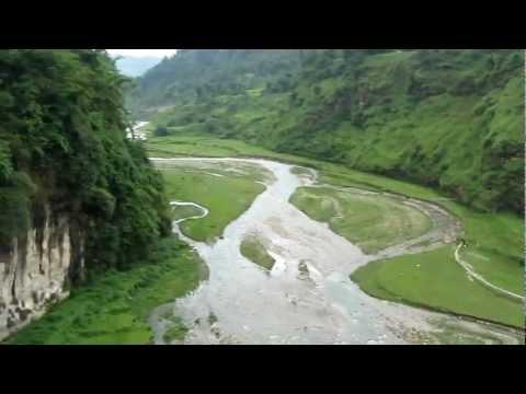 Nepal Pokhara Loopbrug over Himalaya Berg Rivier 2