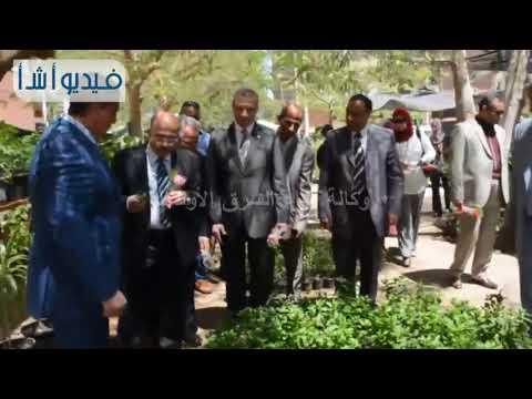 بالفيديو:رئيس جامعة أسيوط لشئون البيئة يفتتح معرضاً للزهور ونباتات الزينة بكلية الزراعة