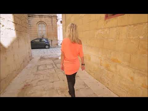 highheels walk with photomodel Ann in Mdina