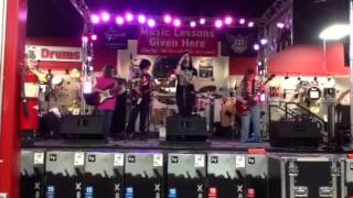 I Wanna Rock (Twisted Sister cover) - Waiting For The Big B