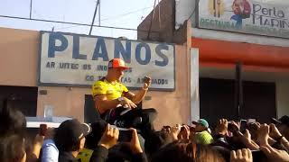 Mario Hart cantando en huaral (plaza de armas)